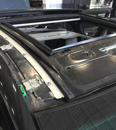 Changement du toit panoramique sur une Mercedes